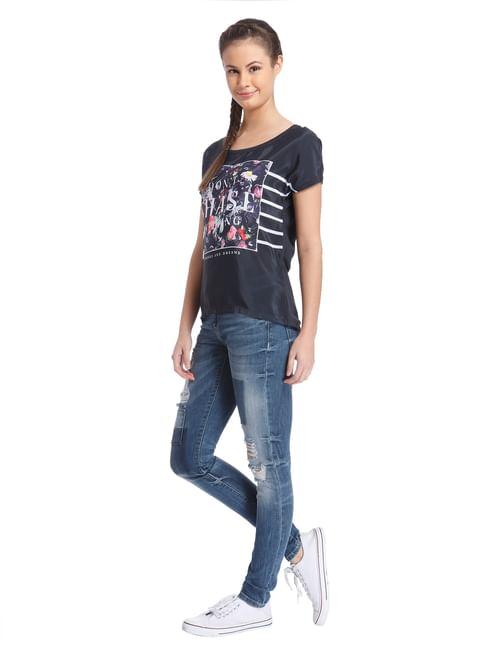 Women Casual Chest Print T-Shirt