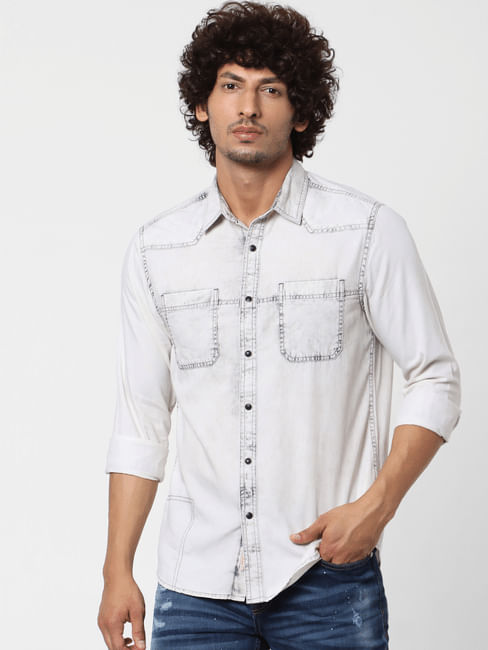 White Full Sleeves Buttoned Shirt
