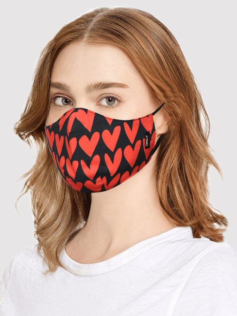 Black Heart Print MASK WITH N95 REPLACEABLE FILTERS