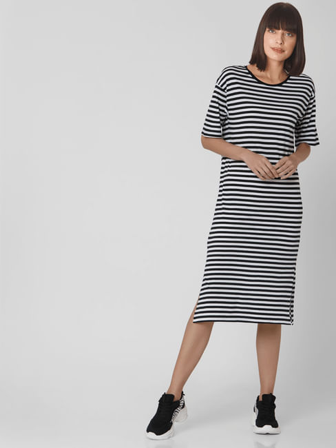 Black & White Striped T-shirt Dress